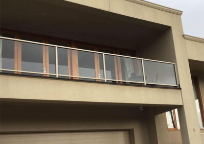 residential-4-shiny-happy-window-cleaning